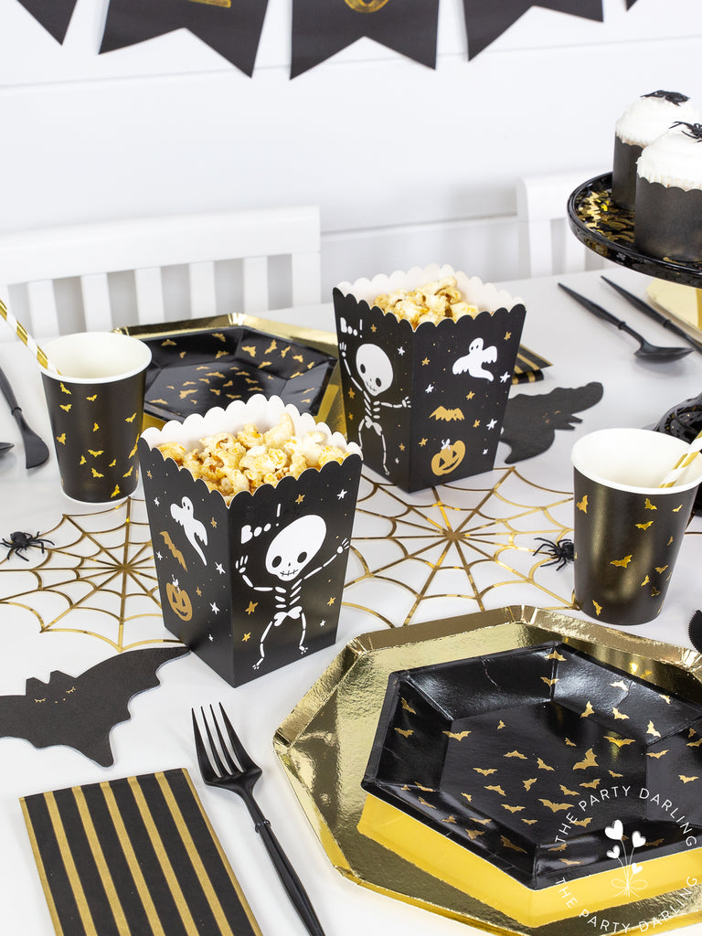 Black and gold Halloween party table