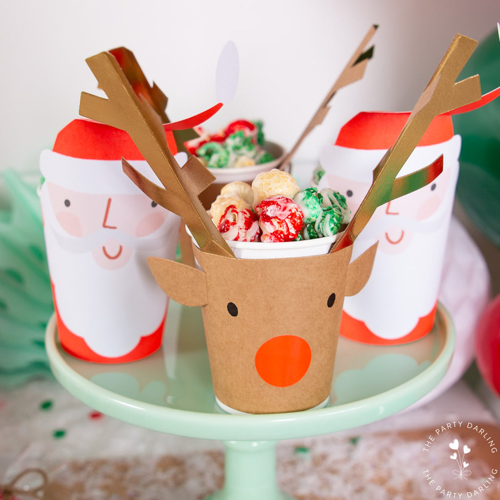 Reindeer and Santa cups with popcorn