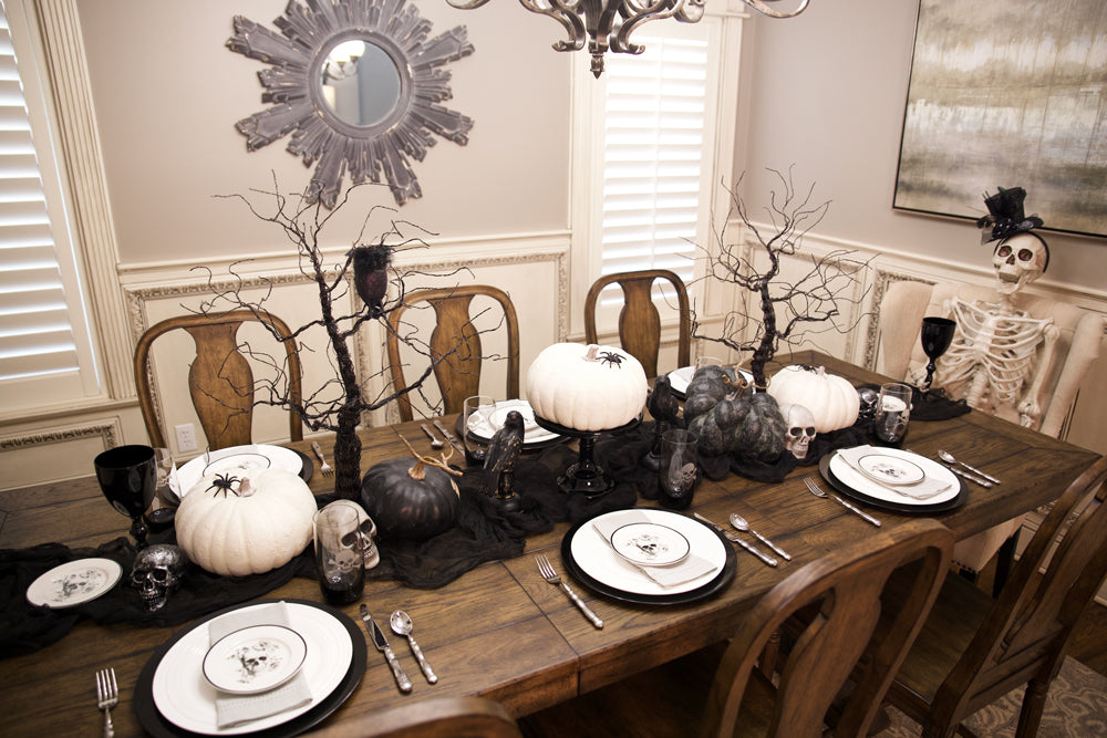 halloween dining room table setting