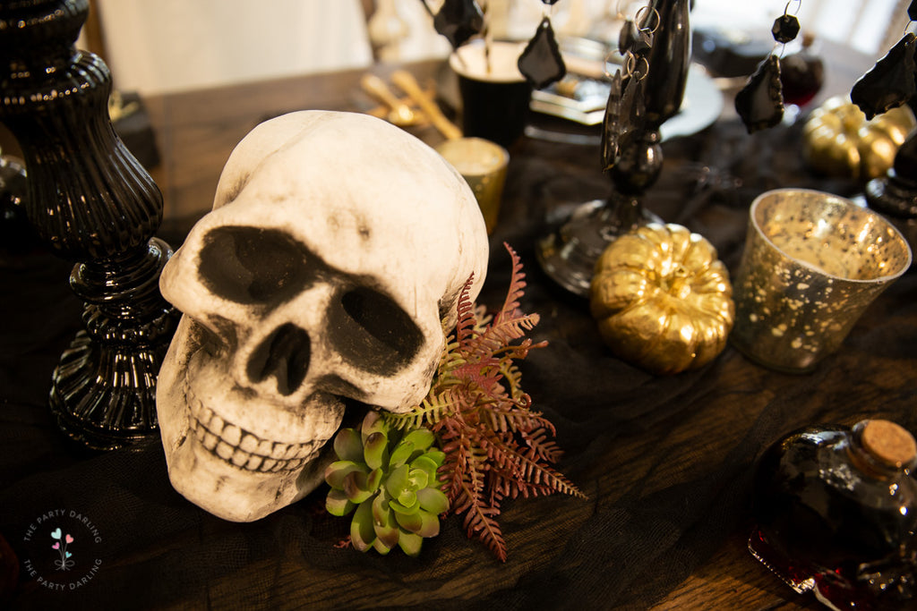 halloween table skull with succulents