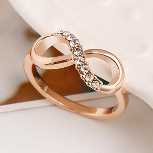 Luxury Gold Infinity Ring
