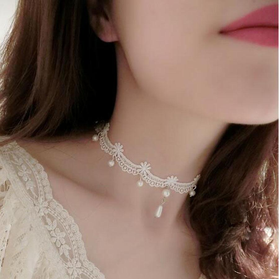 Simple White Choker