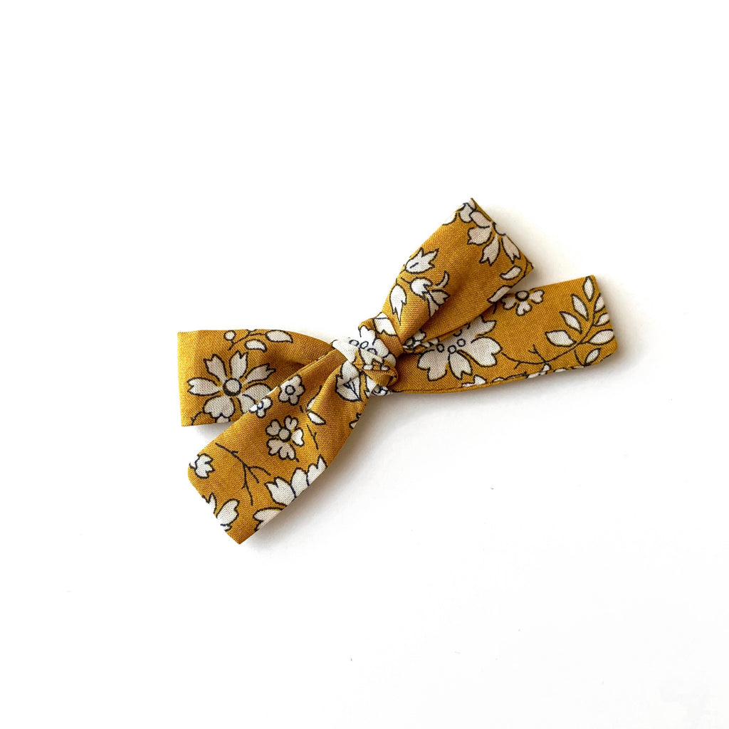 Skinny Ribbon Bow, Liberty Capel