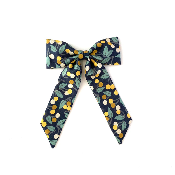 Classic Bow, Liberty Winter Berries