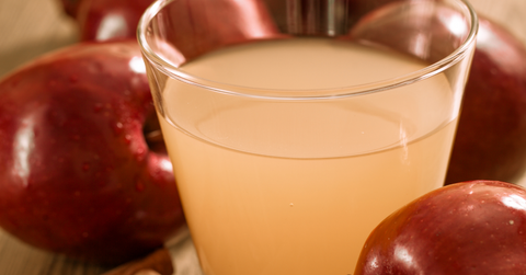 Water with Apple cider vinegar for glowing skin
