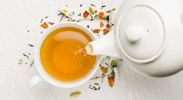 6 Teas For Endometriosis To Alleviate Pain & Reduce Flare-Ups