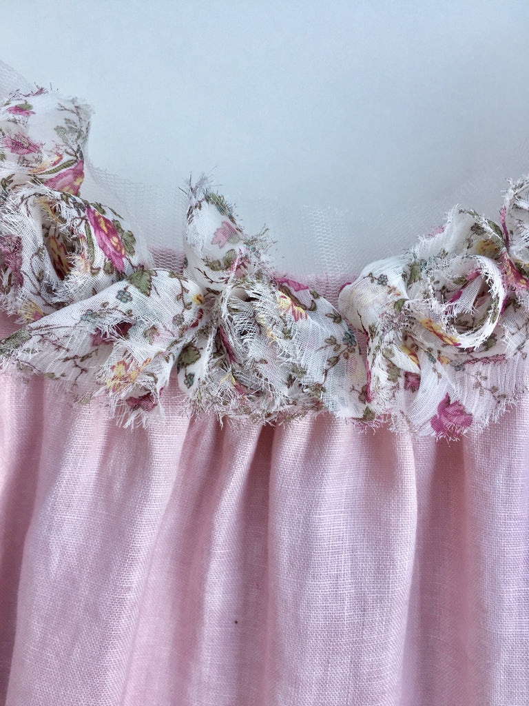 rose ruffle trim. floral