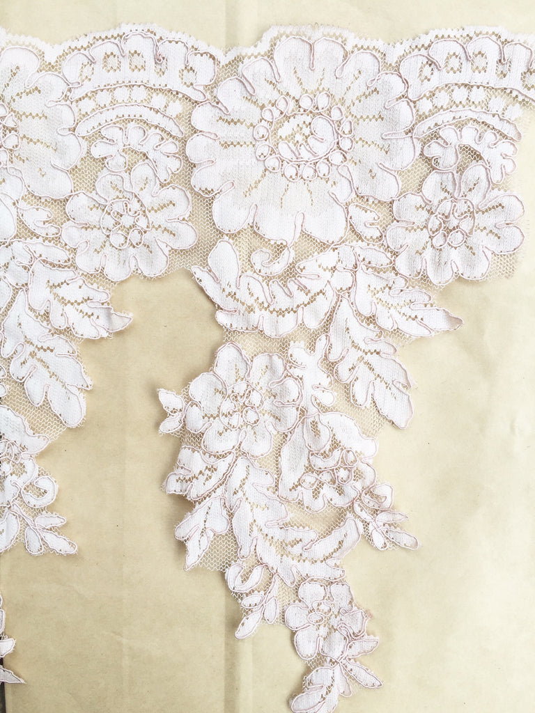 scalloped corded lace. marie antoinette pink