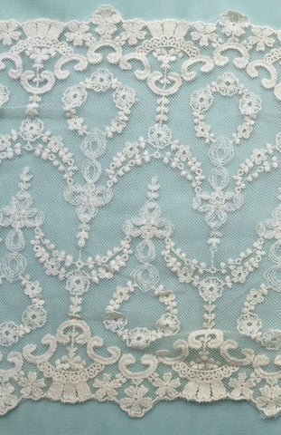 Vintage Chantilly Lace,