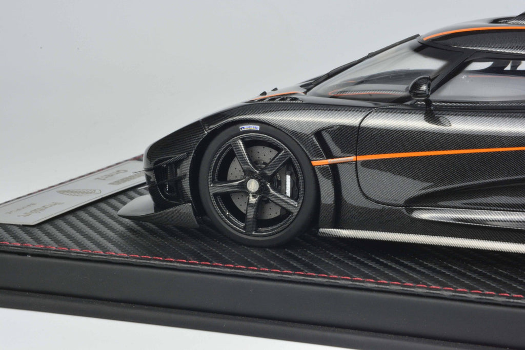 Koenigsegg One1 with 1:8 scale  made by Frontiart model co