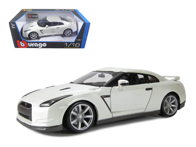 2009 Nissan GT-R R35 Pearl White 1/18 Diecast Model Car by Bburago - BeTovi&co