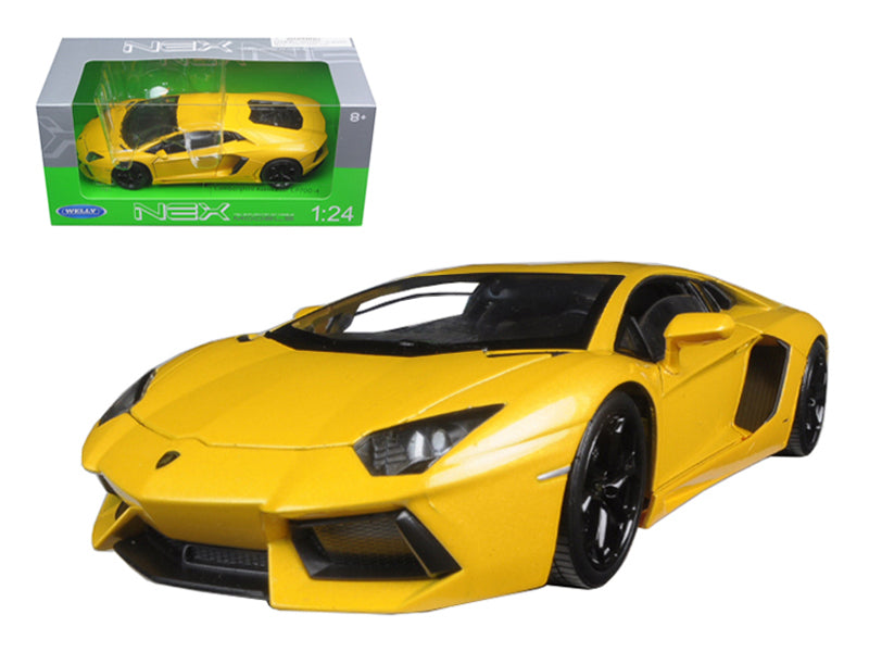 Lamborghini Aventador LP700-4 Yellow 1/24 Diecast Model Car by Welly - BeTovi&co