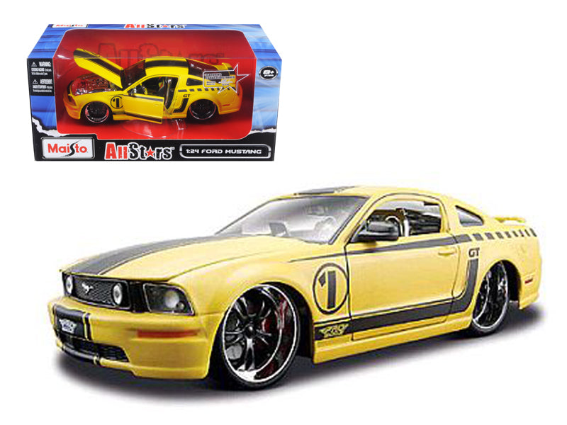 2006 Ford Mustang GT Yellow Pro Rodz 1/24 Diecast Model Car by Maisto - BeTovi&co