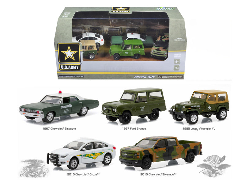 US Army Base 5 Cars Motor World Diorama Set 1/64 Diecast Model Cars by Greenlight - BeTovi&co