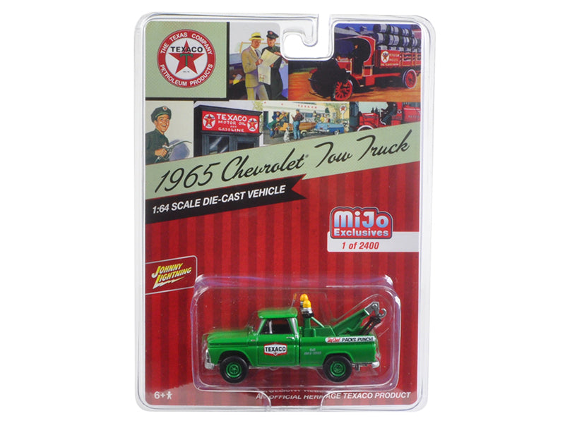 1965 Chevrolet Tow Truck 'Texaco' Green 1/64 Diecast Model Car by Johnny Lightning - BeTovi&co