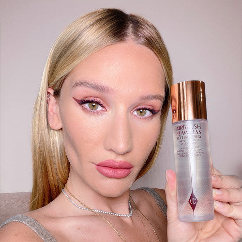 Slapp Tests the Charlotte Tilbury Airbrush Flawless Setting Spray