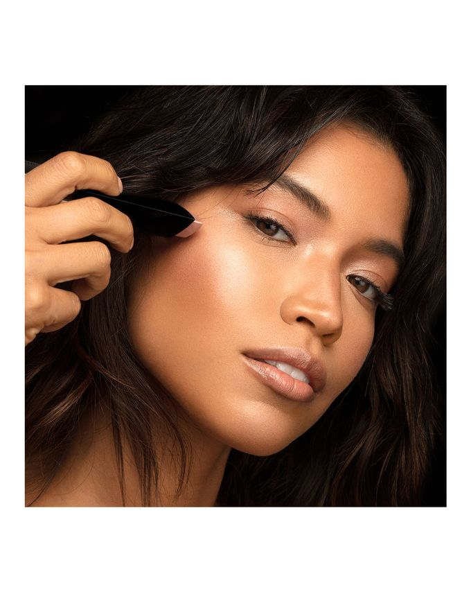 5 New Highlighters for All Skin-Tones