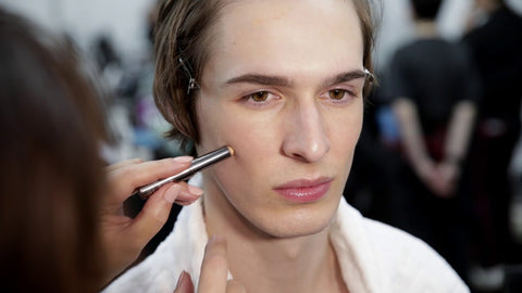 The Best Natural Looking Makeup Beauty Products Concealer for Men - Subtle - Slapp - Beauty Advice - Tips