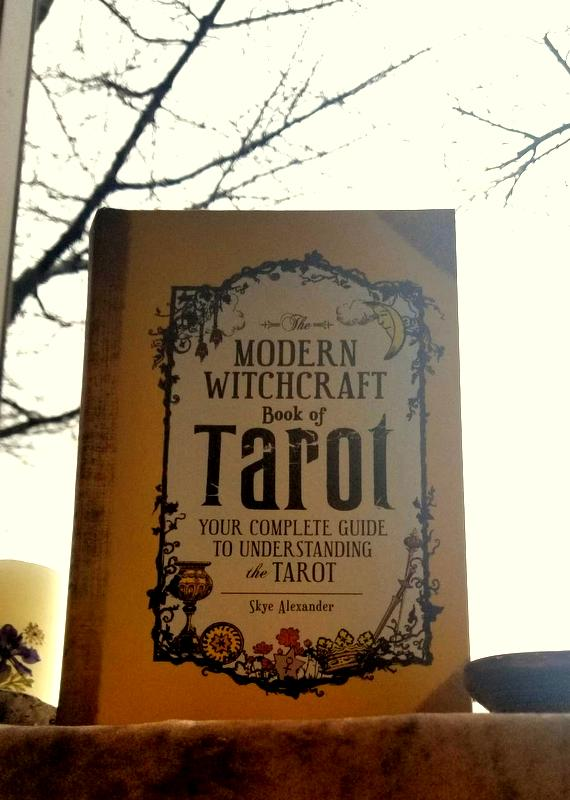 The Modern Witchcraft Book of Tarot - Tarot & Tea