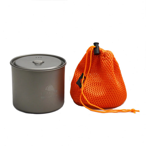 TOAKS LIGHT Titanium 550ml Pot without Handle comes with a mesh sack