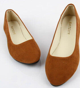 Soft round toe casual shoe