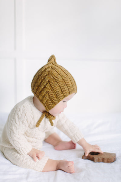 Tiny Pixie hat - Straw (100% wool)