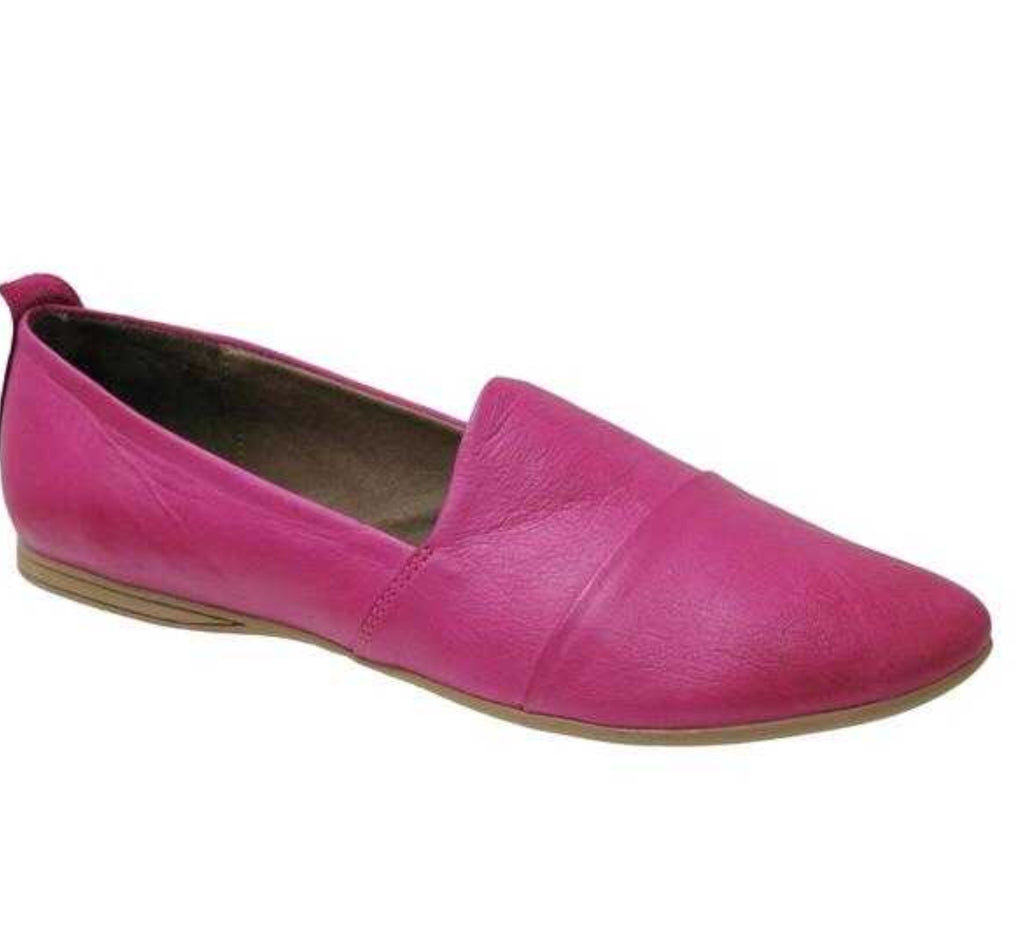 Bueno Kassie in Fuschia Leather $125, Our Beautiful Price $99