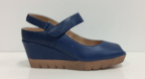 Softwaves 6.40.21 A Smooth Leather Blue $189, Our Beautiful Price $89