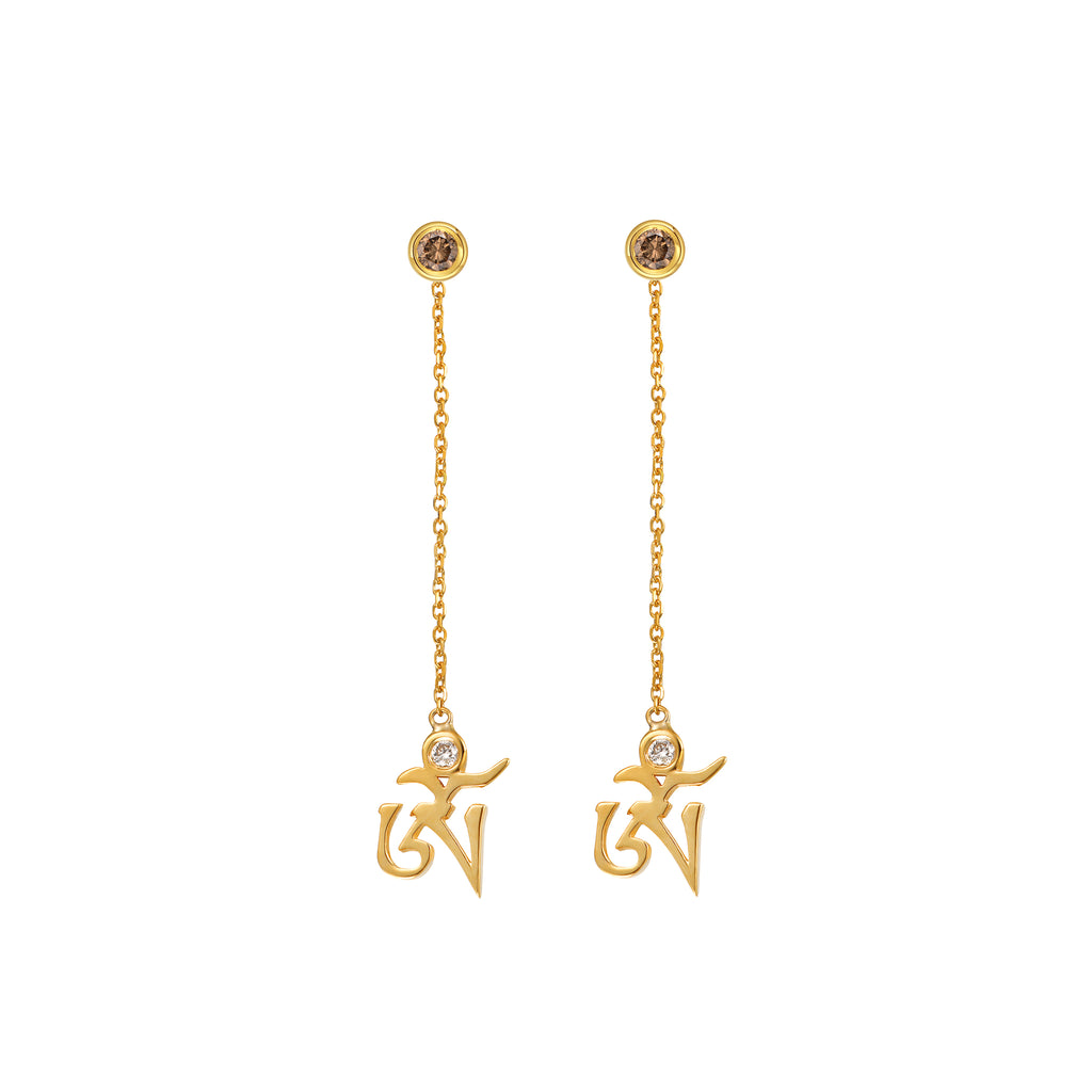 YOUNG BY DILYS' Yellow Gold OM Earrings in Fancy Brown and White DIamond