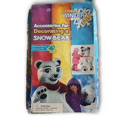 Decorating a Snow Bear - Toy Chest Pakistan