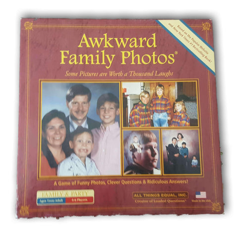 Awkward family photos - Toy Chest Pakistan