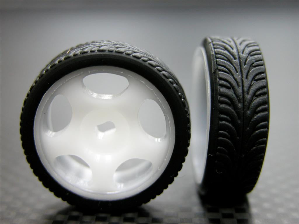 Kyosho Mini-Z AWD Delrin Front/Rear Ridge Rims (5P, 0mm Off Set, Width 8.3mm) With Tires - 1Pr Set White