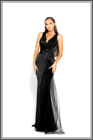 Portia and Scarlett Georgia Gown in Black