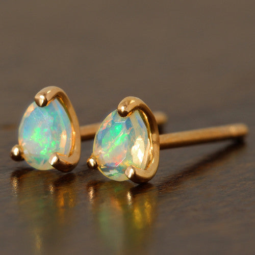 Opal earrings in 18k gold  -Poele-