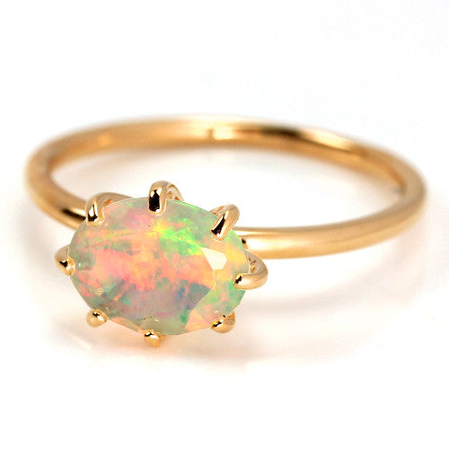 Opal ring in 18k gold with diamonds -Cepage-
