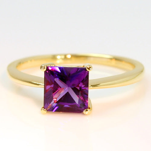 Amethyst ring in 18k gold -Serum-