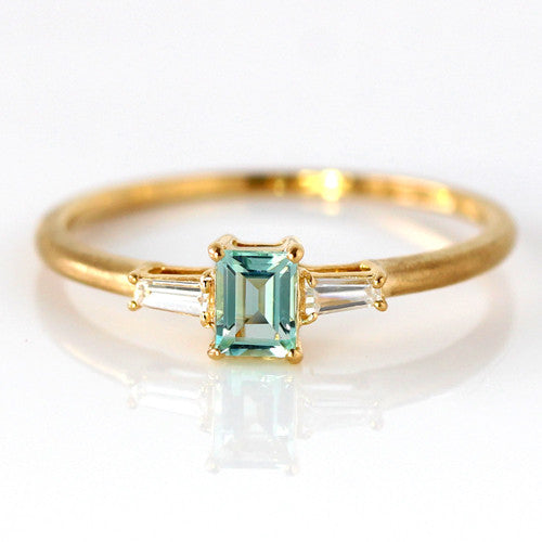 Mint Green Beryl ring in 18k gold -Liddy-
