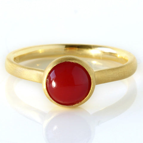 Red Coral ring in 18k gold -Pointe-