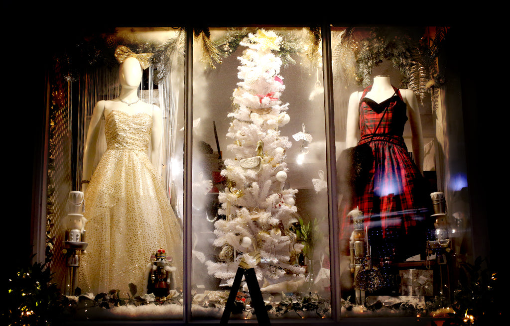 boutique christmas window wells 2016