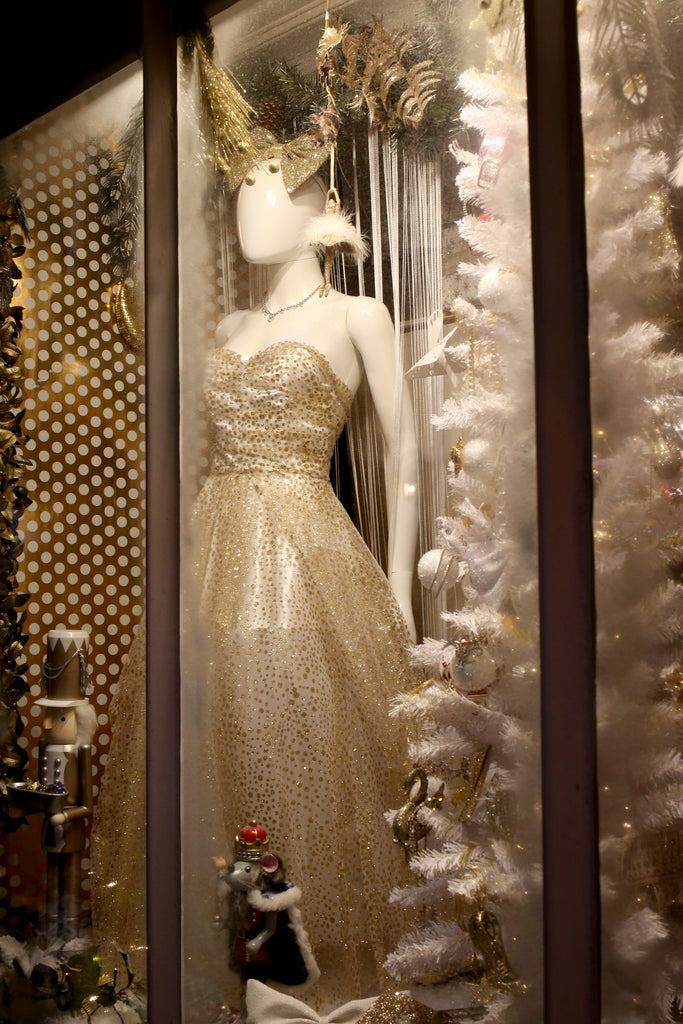 alexandra king christmas shop window