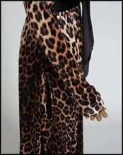 Vampess - Fitted Sleeve Leopard Velvet Gown