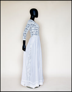 French style antique wedding dress
