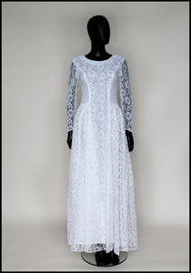 Vintage 1950s Ivory Lace Long Sleeve Gown