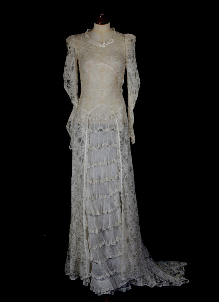Vintage 1930s Lace Wedding Dress