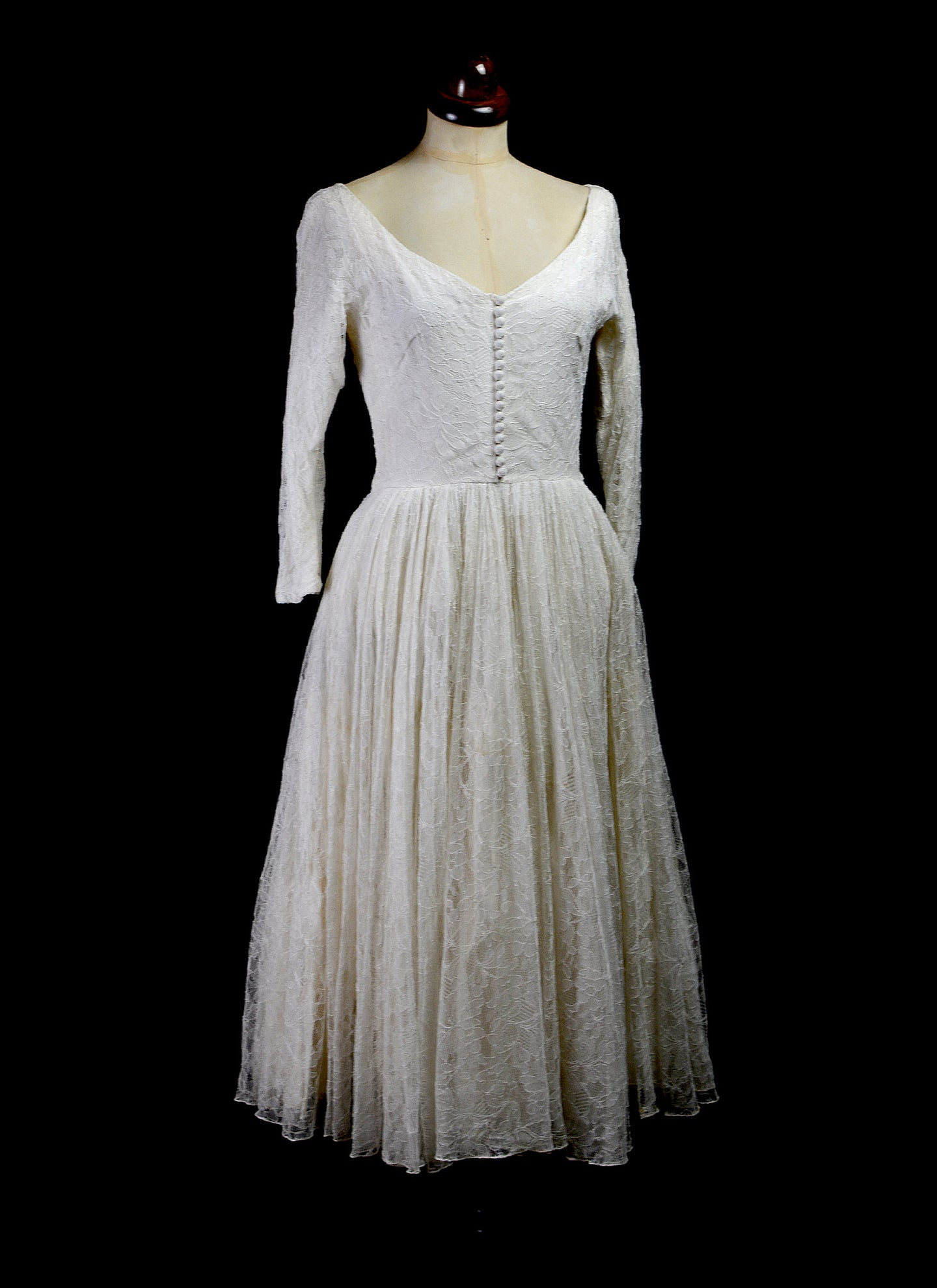 Vintage 1950s Chantilly Lace Wedding Dress