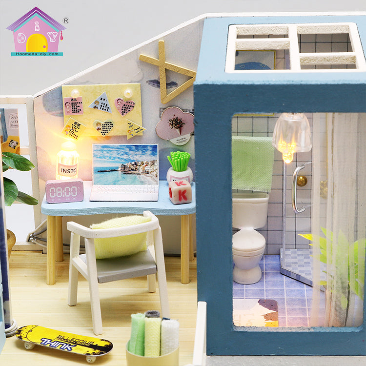 "M910Z - ""First Meet"" 2-Storey House (w/acrylic dust cover, tool set, musical box)"