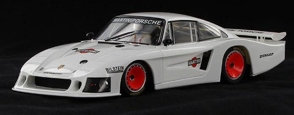 Sideways SW19 - Porsche 935/78 Moby Dick Martini Presentation