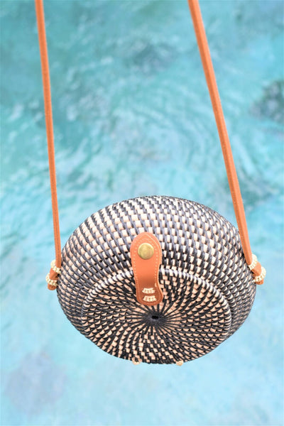 Ulus Round Rattan Bag / Black