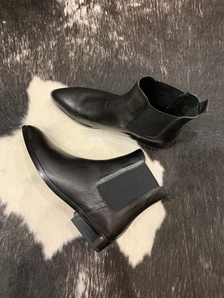 Phylis Black Leather Boots