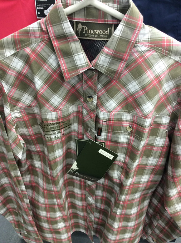 Pinewood ladies medium shirt